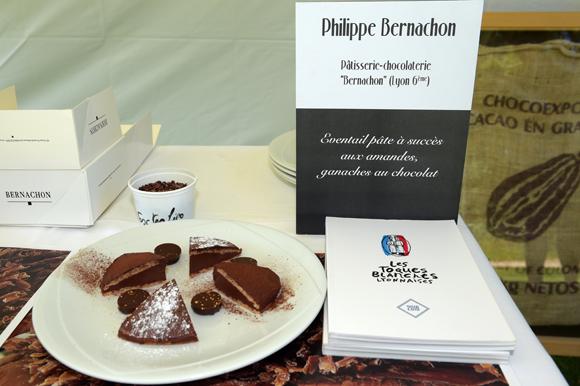 13b. Son dessert : Eventail pâte à succès aux amandes, ganaches au chocolat
