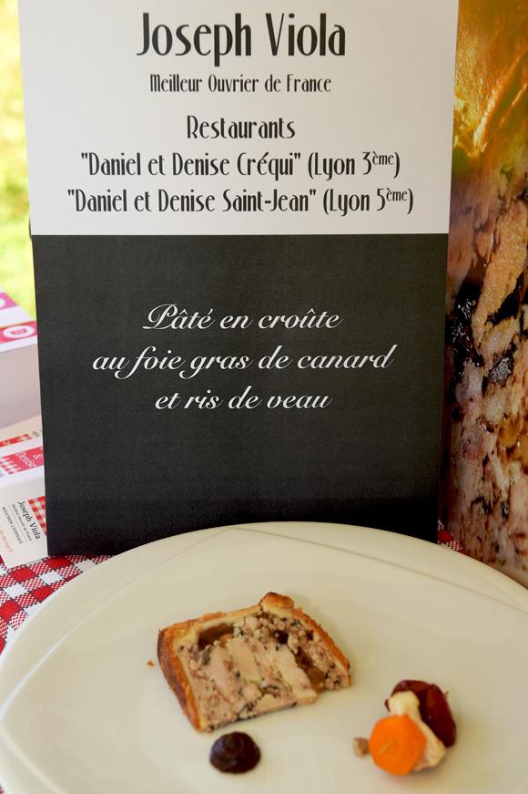 9b. Son plat : Pâté en croute au foie gras de canard et ris de veau