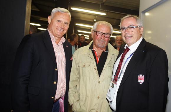 33. Le général Pierre Chavancy, gouverneur militaire de Lyon, Maurice Courtadon et Patrick Selma, président de l'association LOU Rugby
