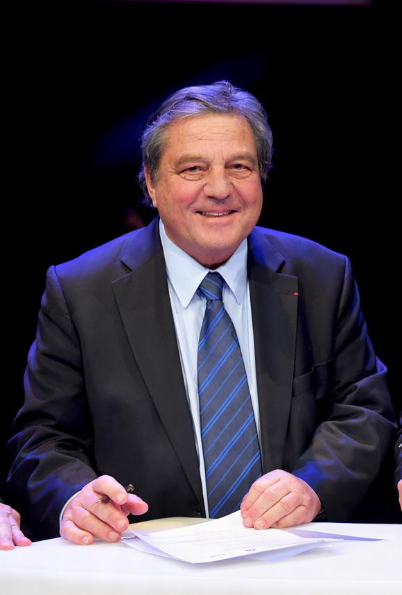 9  François Turcas