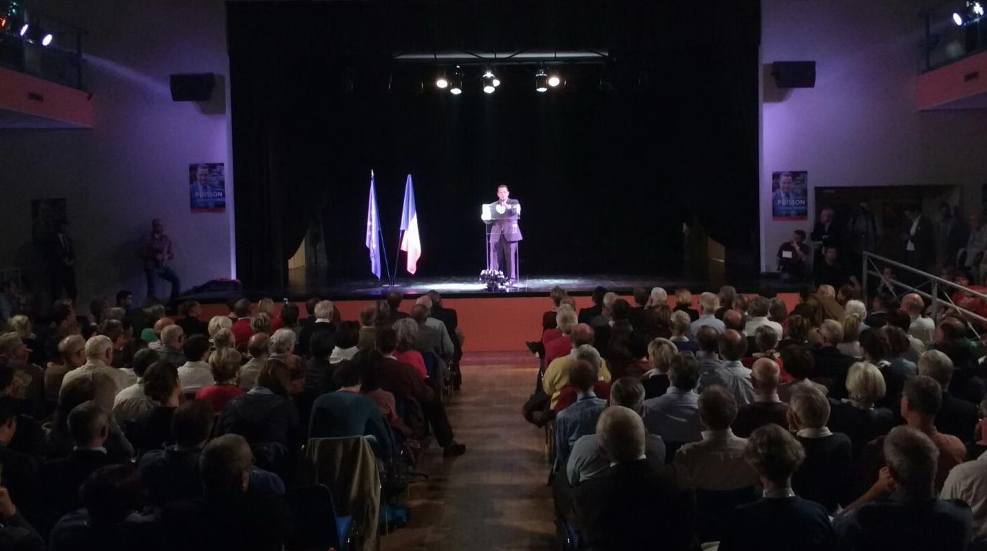 Primaires de la Droite. Jean-Frédéric Poisson en campagne à Ecully