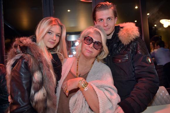 13. Laurence Coste, ses enfants, Chloé (Amoregrazia) et Arthur, professeur de tennis