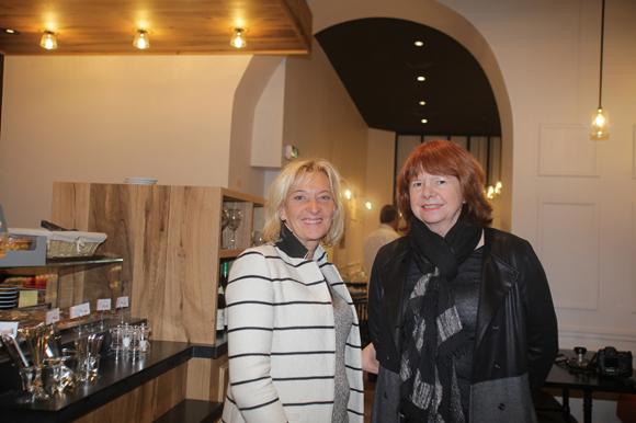 2. Marie Odile Fondeur, directrice du SIRHA, et Catherine Laurent (Hôtel Canabae, Handicap International)