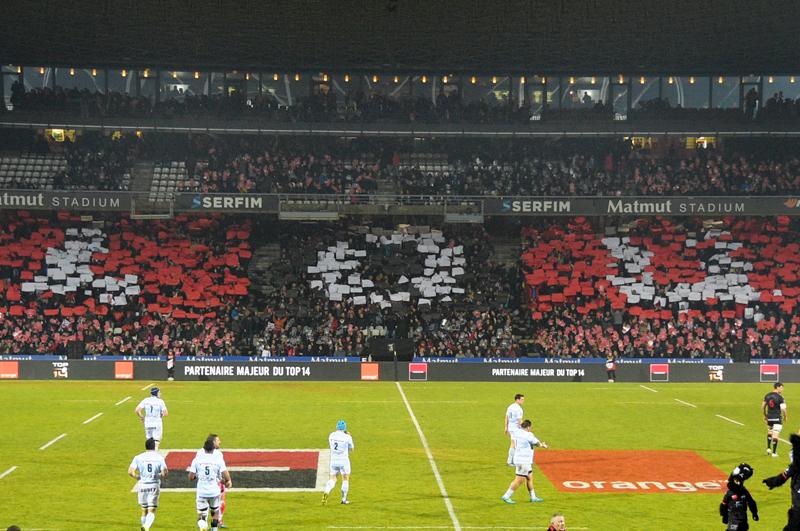 Les tribunes VIP de LOU Rugby – Racing. Et ils sont où les Parisiens ?