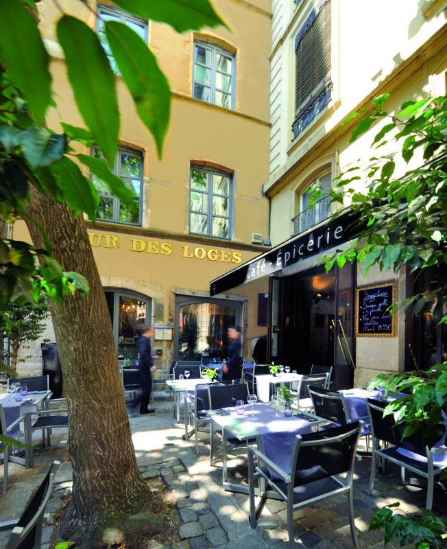 Café-Epicerie de Cour des Loges. L'esprit bistrot, le goût de l'excellence