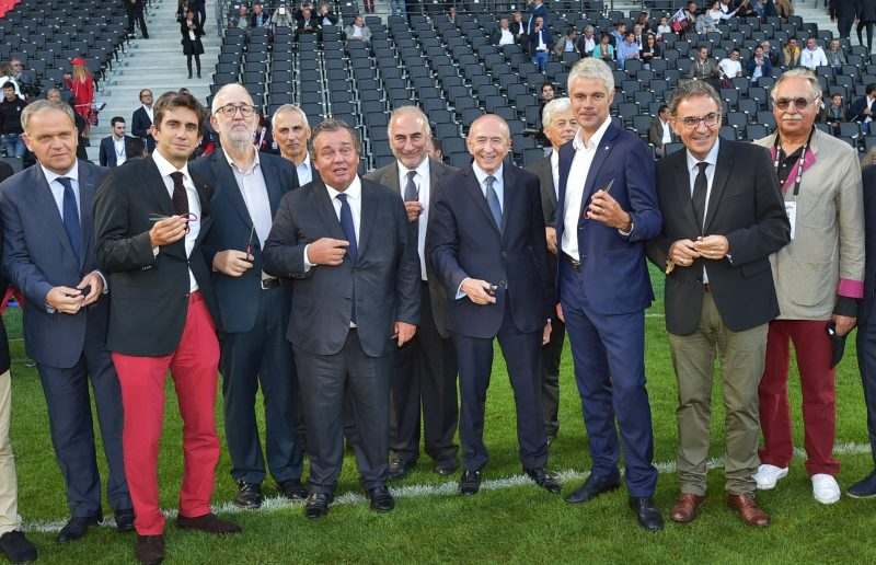 Collomb / Wauquiez. Combat de coqs pour l'inauguration du stade de Gerland