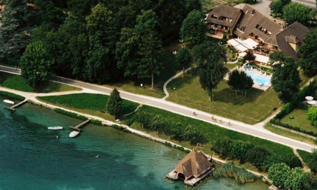 Lac d'Annecy. L'Auberge de Letraz passe sous pavillon Lavorel Hôtels