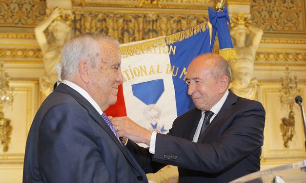 Préfecture du Rhône. Le Mérite pour Armand Bahadourian