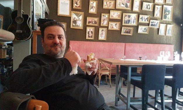 Cousins Cousines. Marwan Najde rend son tablier