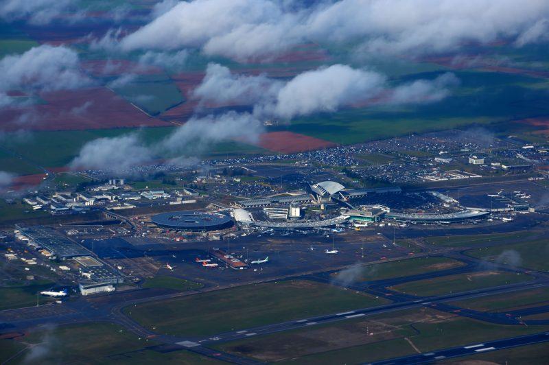 Insolite. Course-poursuite hollywoodienne sur la piste de l'Aéroport Saint-Exupery