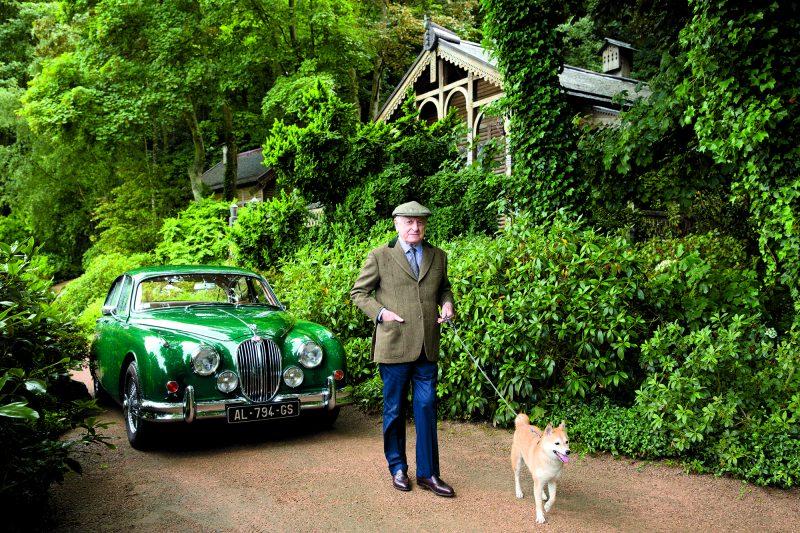 Lyon Enchères. Record mondial pour la Jaguar d'Yves Saint Laurent