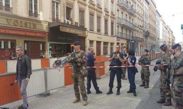 Attentat rue Victor Hugo. Trois suspects en garde à vue