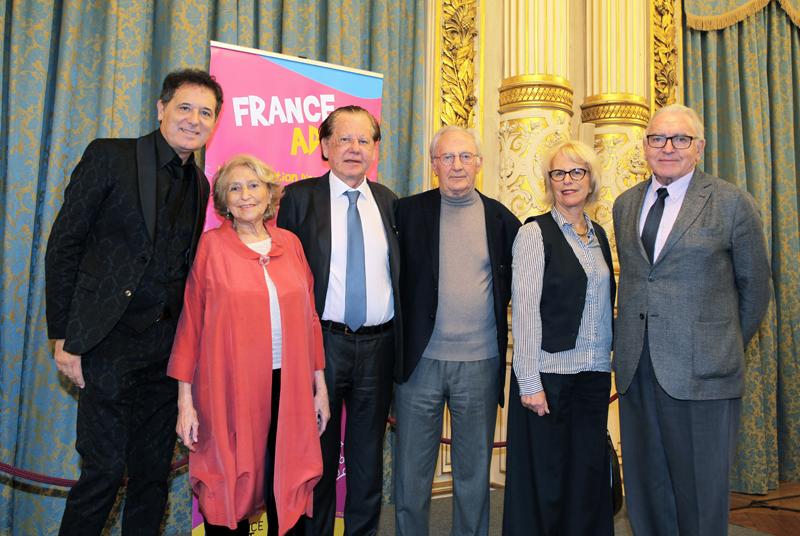 50 ans de France ADOT. Le Professeur Dubernard donne de sa personne