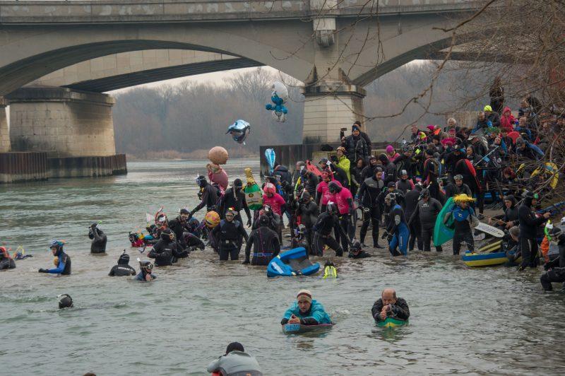 40eme traversée de Lyon à la nage. Il ne faut pas avoir froid aux yeux