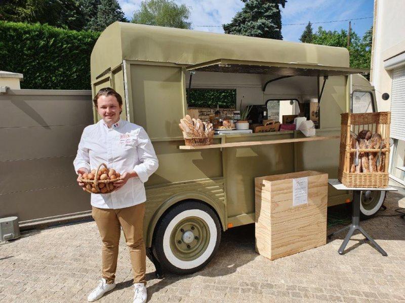 Saint-Cyr-au-Mont d'Or. Le Food Truck de la Boulangerie Marcel réenchante le village