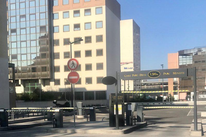 Coronavirus. Lyon Parc Auto transforme 2 nouveaux parkings en drive