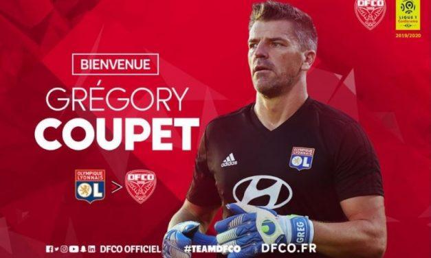 Olympique Lyonnais. Grégory Coupet quitte le navire