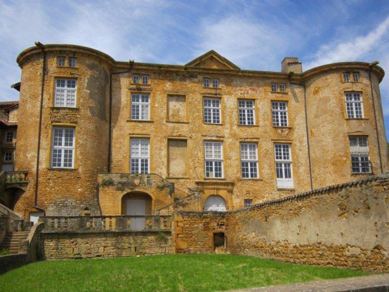 Château de Rochebonne. Nid d'artistes