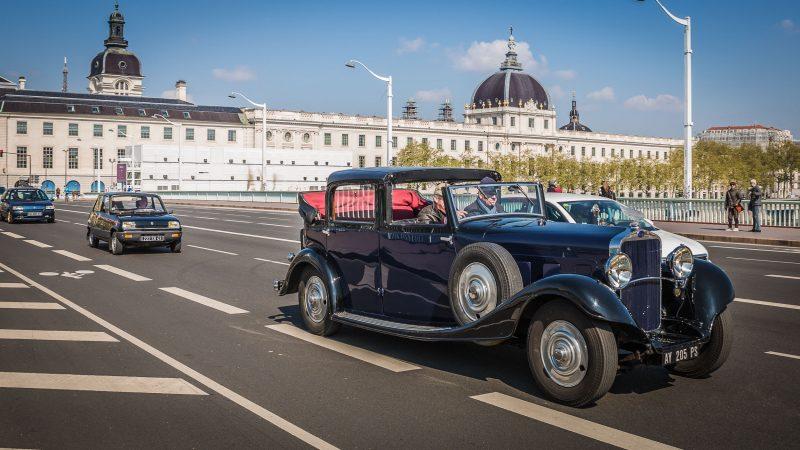 Traversée de Lyon. Les meilleurs spots pour admirer les véhicules de collection