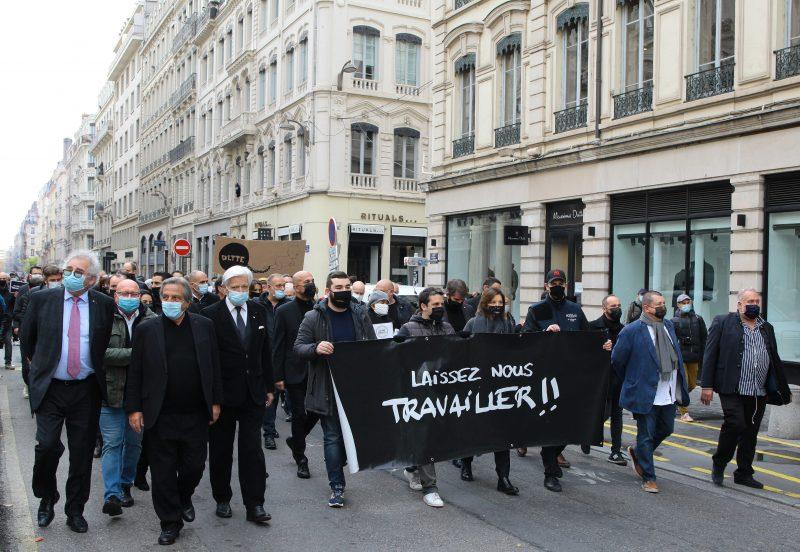 Manifestation des indépendants à Lyon. 3ème vague de colère, place Bellecour