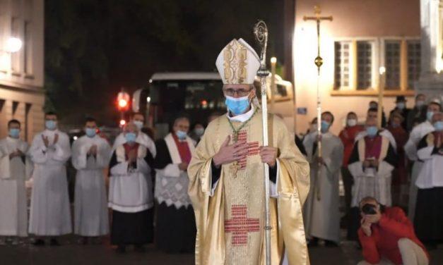 Lyon. Monseigneur Olivier de Germay dans ses nouveaux habits d'archevêque de Lyon