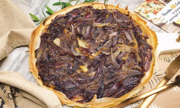 Recette de la Croustade aux oignons rouges caramélisés, salade
