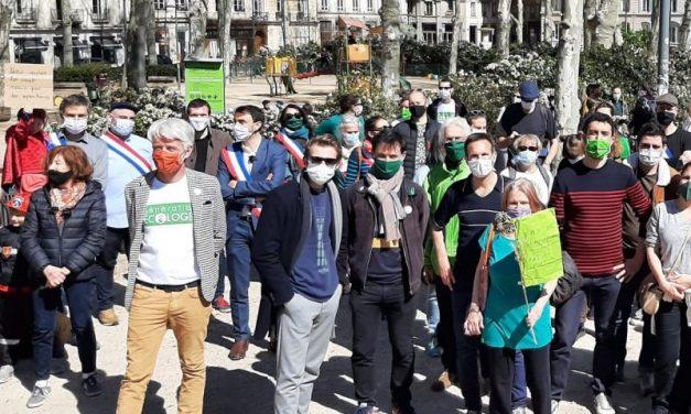 Lyon. Tollé général après la participation des élus écologistes à la marche pour le climat en plein confinement