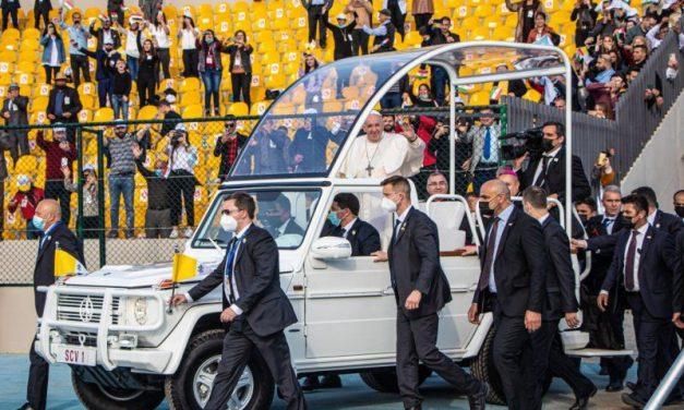 A Lyon, les réfugiés chrétiens ont suivi avec ferveur la visite du pape en Irak